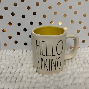 "🎉2/30 New Rae Dunn by Magenta ""HELLO SPRING"" Mug."